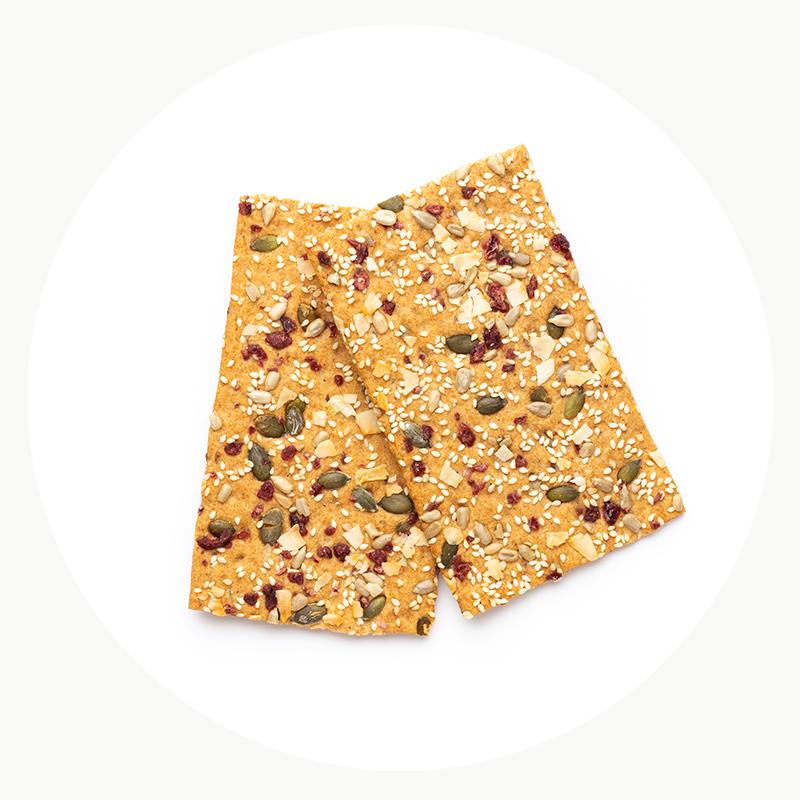 Cómo hacer crackers de espelta saludables y saciantes para tu aperitivo