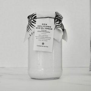 Yogur de coco by Angela en un bote de cristal de 500 ml