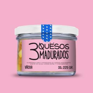 Quesos veganos elaborado a partir de tres variedades de quesos madurados, aceite de oliva virgen extra y condimentos